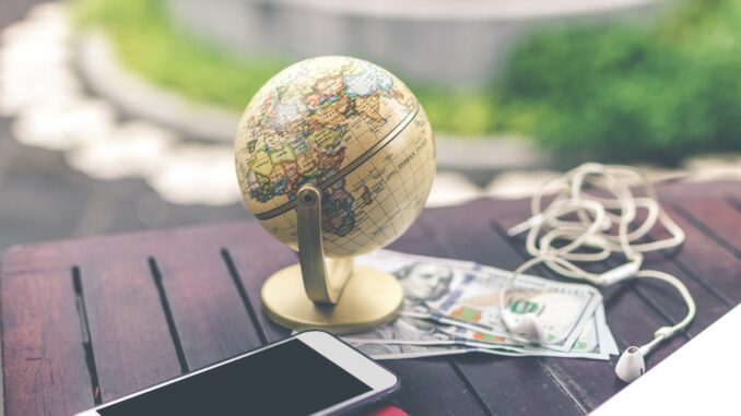 HealthyLivingLinks-globe on a table